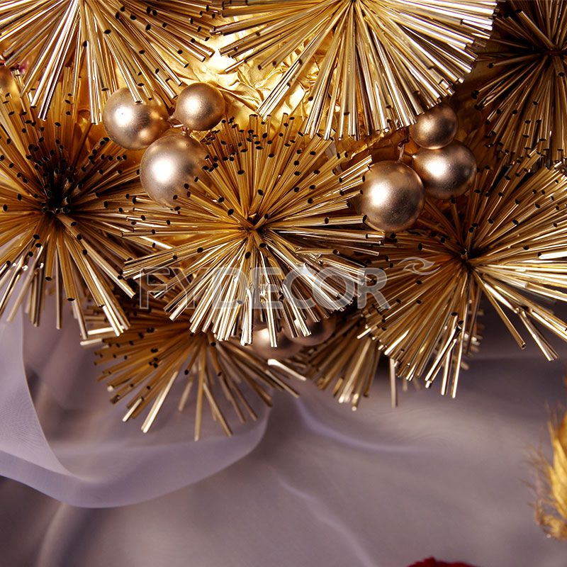 Glittering Pom Pom Hanging Ornament/Gold Ball Decorations for Celedration And Party Decor